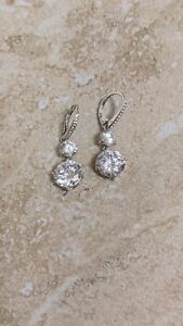 Authentic Nadri Earrings made with Swarovski Bella Clear Crystal Whit Gold Tone