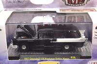 CHEVROLET 150 HANDYMAN STATION WAGON 1957 1:64 M2 MACHINES 32500 R39 NEW