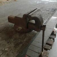 Schraubstock Backenbreite ca. 17 cm Spannweite ca. 19 cm Industrieschraubstock