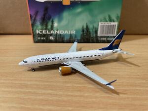 Icelandair 737 MAX8 1:400 (Reg TF-ICY) PH04219 Phoenix