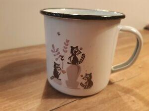 Cats on Appletrees - Emaille Tasse - Waschbären