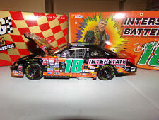 1/24 BOBBY LABONTE #18 INT/BAT SMALL SOLDIERS CWB  1998 ACTION NASCAR DIECAST