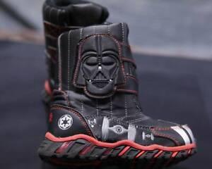 Youth Boy's 9/10 Darth Vader Star Wars Winter/Snow Boots Black, EUC