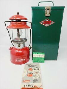 VTG LANTERN COLEMAN RED MODEL 200 DATED 9-68 SEPT 1968 GLOBE 550 WITH METAL CASE