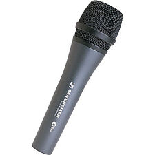 Sennheiser e 835 Cardioid Handheld Dynamic Lead Vocal Stage Microphone with Clip