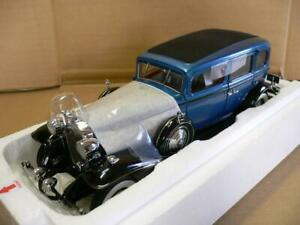 Rare Unused DANBURY MINT 1/24 1932 Cadillac V-16 Fleetwood Sedan Limited Edition