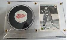 Alex Delvecchio Detroit Red Wings Autographed Card and unsigned puck