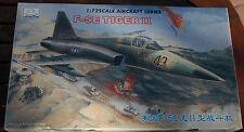 MAQUETTE MINI HOBBY MODELS F-5 TIGER II