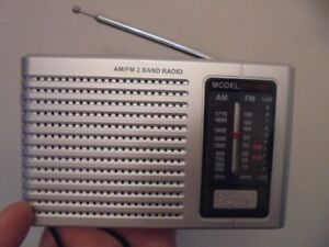 Compact AM/FM Portable battery Radio