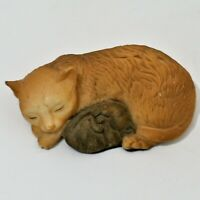 Resin Statue Figurine Sleeping Mama Cat With Baby Kittens  EUC