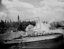 QUEEN MARY bings home troops New York NY World War 2 WWII 8 x 12 Photo Picture