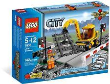 *BRAND NEW* LEGO 7936 RC Train LEVEL CROSSING