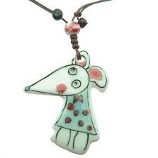 Collier pendentif petite souris en robe fillette personnage porcelaine 0% métal