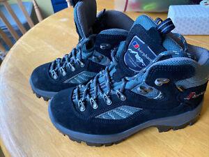 berghaus walking boots Size 4