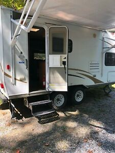 2010 Keystone camper with slide out