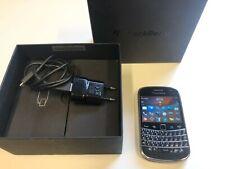 BlackBerry Bold 9900 - 8GB - Black (Unlocked) Smartphone- Boxed!!