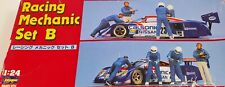 Hasagawa Racing Mechanic Set B - 4 figures - 1:24 / Open