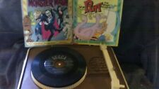 Vintage Power Tronic By Nasta Record Player w/ 7 records Peter Pan Monster Mash