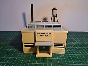 VINTAGE PLASTICVILLE FACTORY (#1906), TAN SIDES, GRAY ROOF, GREEN TRIM, BOX