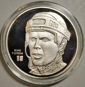 Steve Yzerman Highland Mint 1.5 Troy Ounce Silver Elite Medallion Wings 263/1000