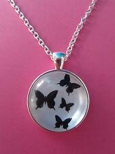Butterfly Farfalle Silhouette Collana con ciondolo d'argento in vetro NUOVO nella borsa regalo