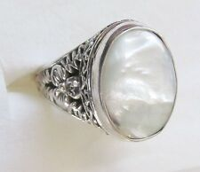 Mother of Pearl, 925 Sterling Silver Ring size 5.25  ---   8 cts, 5.8 grams