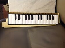 Italian piano hand held 16 note keyboard with black case