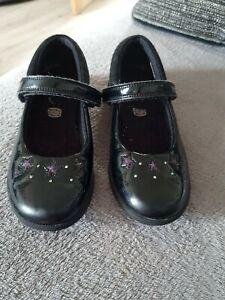 Girls Black Patent Clarks School Shoes Size 13.5 H