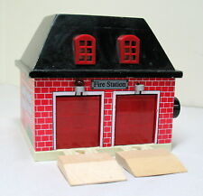 FIRE STATION, Battery operated lights & sound, GUC