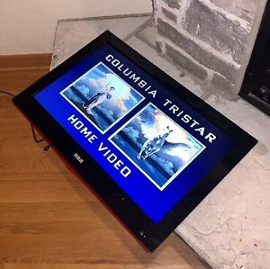 """Vintage Working RCA Gaming TV Built-In DVD Player HDTV 26"""" LCD Screen 26LA30RQD"""