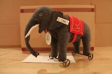 "Steiff 420115 ""Filzelefant auf Rädern"""