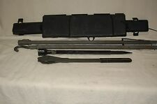 95 96 97 98 99 SUBURBAN JACK TOOL SET 15725734  OLD BODY STYLE ONLY TOOLS H304