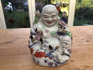 VINTAGE CHINESE PORCELAIN LAUGHING BUDDHA FIGURE WITH 9 CHILDREN