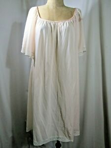 Vintage LUCIE ANN night gown size Small