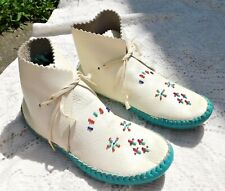 Vintage 1970's White & Turquoise Pebbled Leather Women's Moccasins Sz 7.5
