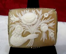 10K YELLOW GOLD ANTIQUE CARVED SHELL FRAME CAMEO BOUQUET OF FLOWERS HOLDING HAND