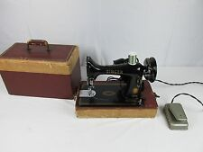 Vintage 1950s Singer Model 99K Sewing Machine And Original Case Great Britain