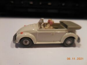WIKING 1/87 HO VW VOLKSWAGEN 1300 BUG CONVERTIBLE IN WHITE GERMANY