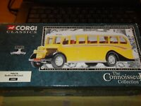 Corgi 33802 BEDFORD OB COACH MALTA  CONNOISSEUR COLLECTION L/D ALWAYS BOXED