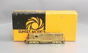 Sunset Models HO Scale BRASS EMD GP-7 1500 HP Road Diesel Switcher/Box