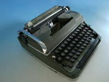 0915A1-547: Olympia Schreibmaschine