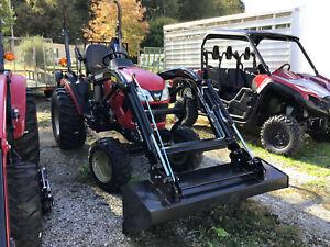 Tractor, 2021 Yanmar SA424