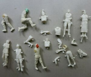 Lot AIRFIX WW2 accessories 54mm Multipose Soldiers Soldats spare parts