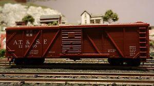 Varney HO Vintage Santa Fe 40'OB Boxcar, Die Cast Trucks, Ex,