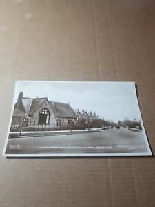 OLD RP POSTCARD.   LOUTH ROAD AND WESLEYAN CHAPEL. SCARTHOE.   L/2609