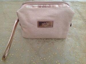 Laura Geller Cosmetics Bag Wristlet (natural with glitter) - New