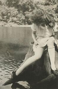 ANTIQUE VINTAGE FLAPPER AMERICAN BEAUTY ARTISTIC DRESS KNEE HIGHS RISQUE PHOTO