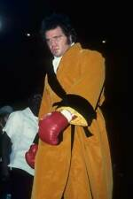 Old Boxing Photo Randall Cobb Gets Ready Before The Fight Against Larry Holmes 1