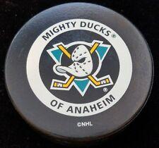 VINTAGE MIGHTY DUCKS OF AHAHEIM  NHL OFFICIAL GAME PUCK GARY B BETTMAN CANADA
