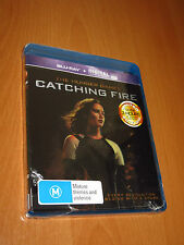 THE HUNGER GAMES : CATCHING FIRE ( 2-DISC BLU RAY ) * NEW SEALED HOLOGRAM COVER